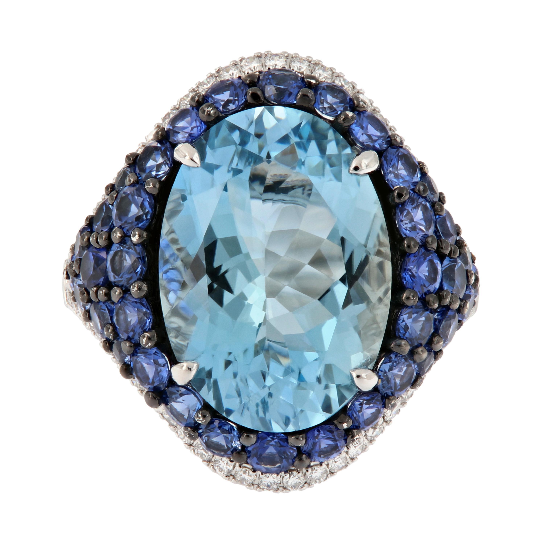 18 Karat White Gold Aquamarine Blue Sapphire Diamond Cocktail Ring