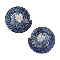 18 Karat White Gold Blue Sapphire Diamond Button Earrings