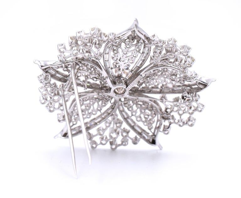 Harry Winston Diamond Brooch In Excellent Condition For Sale In New York, NY