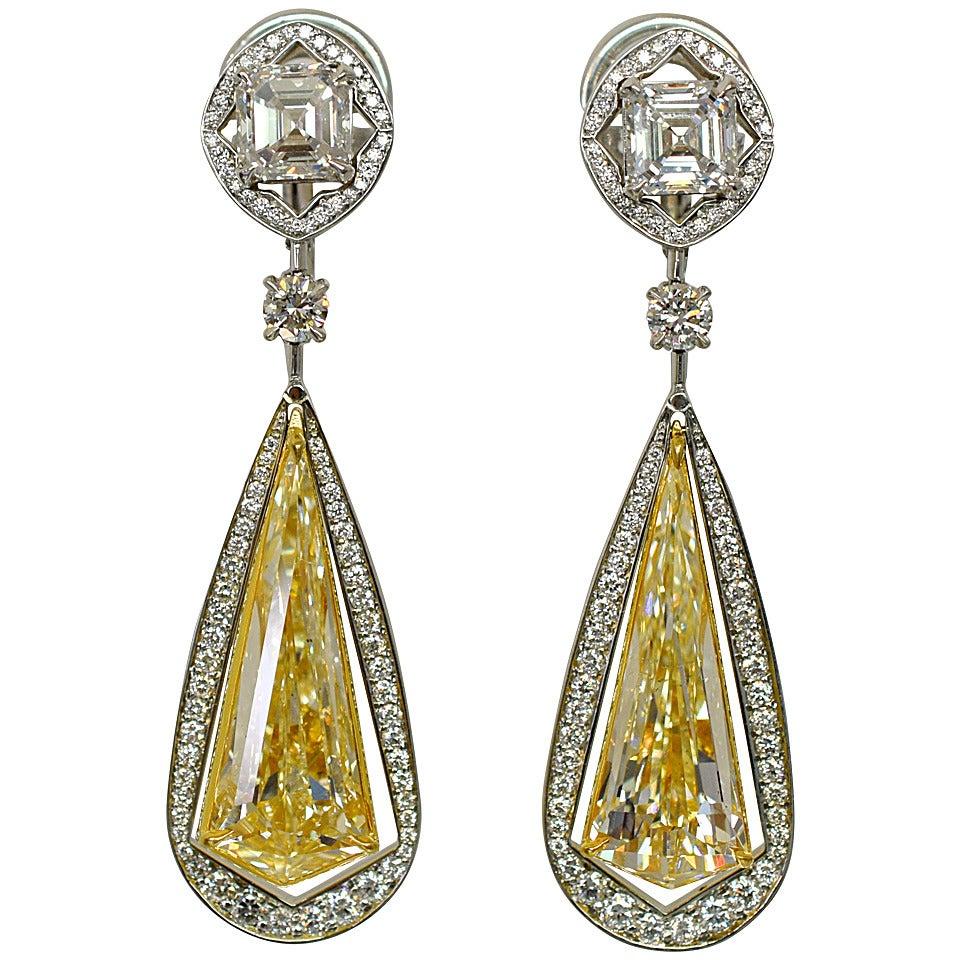 Unique 10.49 Carat Fancy Yellow Diamond Gold Drop Earrings