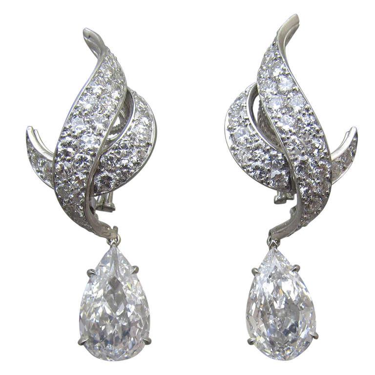 Harry Winston Diamond Drop Earrings