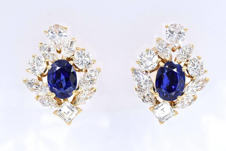 Cartier GIA Burma No Heat Sapphire Diamond Earrings In Excellent Condition For Sale In New York, NY