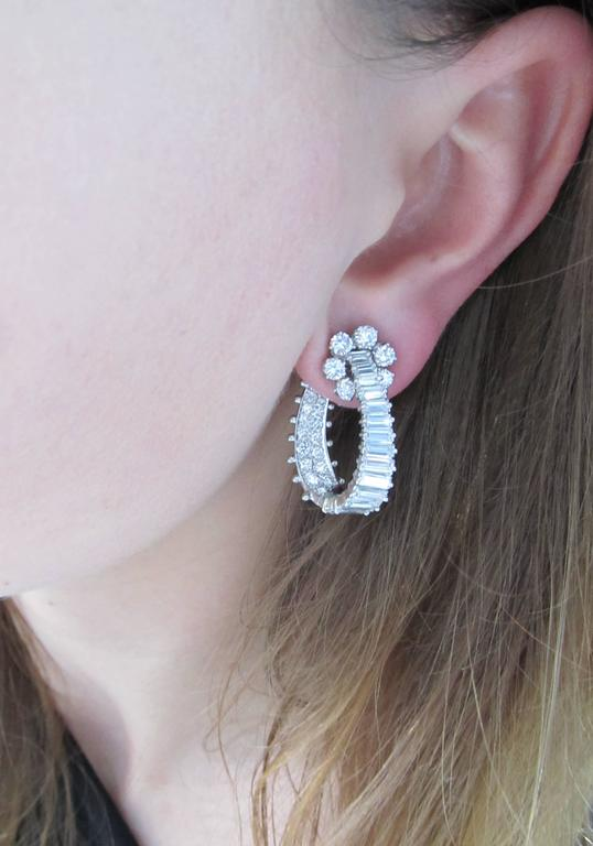 Diamond Platinum Hoop Ear-Clips In Excellent Condition For Sale In New York, NY
