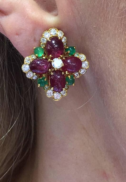Vintage Van Cleef & Arpels Ruby Chrysoprase Diamond Gold Ear Clips 7