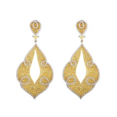 18 Karat Yellow and White Fashion Drop Earrings