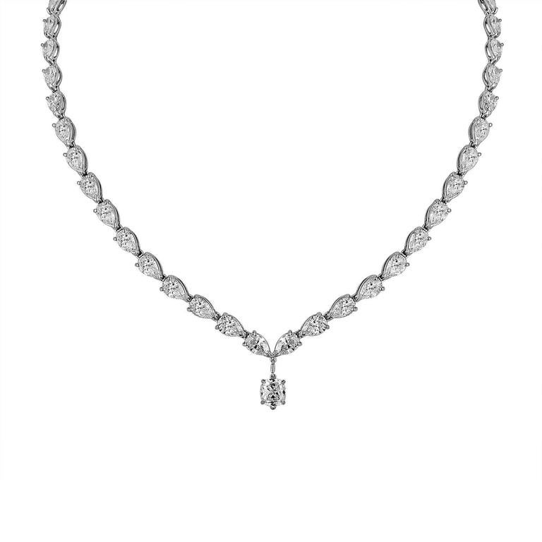 23.52 Carat Pear Shaped Diamonds and 1.03 Carat Diamond Platinum Drop Necklace In As New Condition For Sale In New York, NY