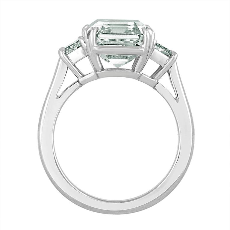 6.02 Carat Emerald Cut Diamond Set in Platinum with Trapezoids In New Condition For Sale In New York, NY