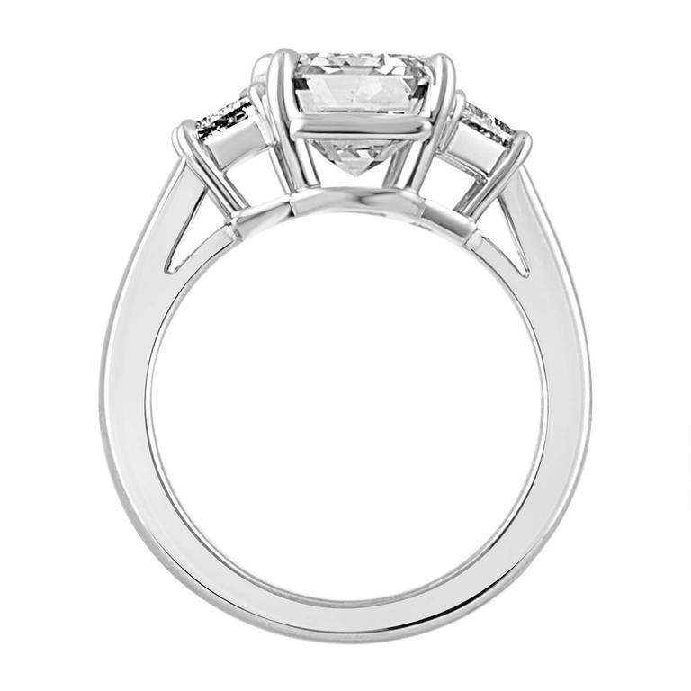 4.08 Carat Emerald Cut Diamond Set in Platinum Ring Mounting In New Condition For Sale In New York, NY