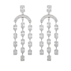 18 Karat White Gold Chandelier Earrings with Round Brilliants and Baguettes
