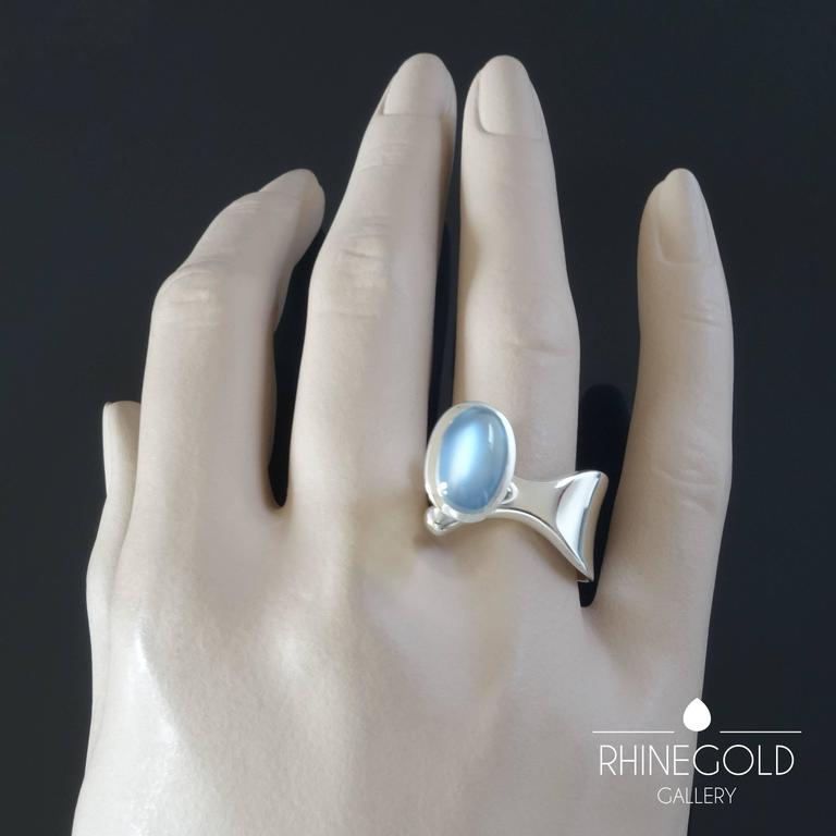 1960s Georg Jensen Torun Bulow Hube Modernist Moonstone Silver Ring Nr.152 In Excellent Condition For Sale In Dusseldorf, NRW