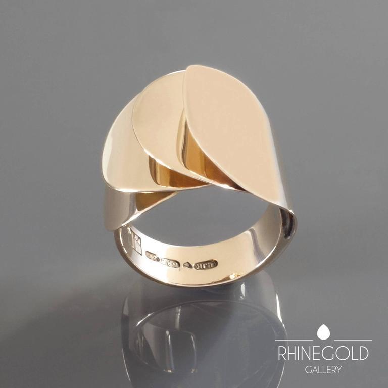 Women's 1970s Urpo Kajander for Kaunis Koru Rare Finnish Modernist Gold Ring For Sale