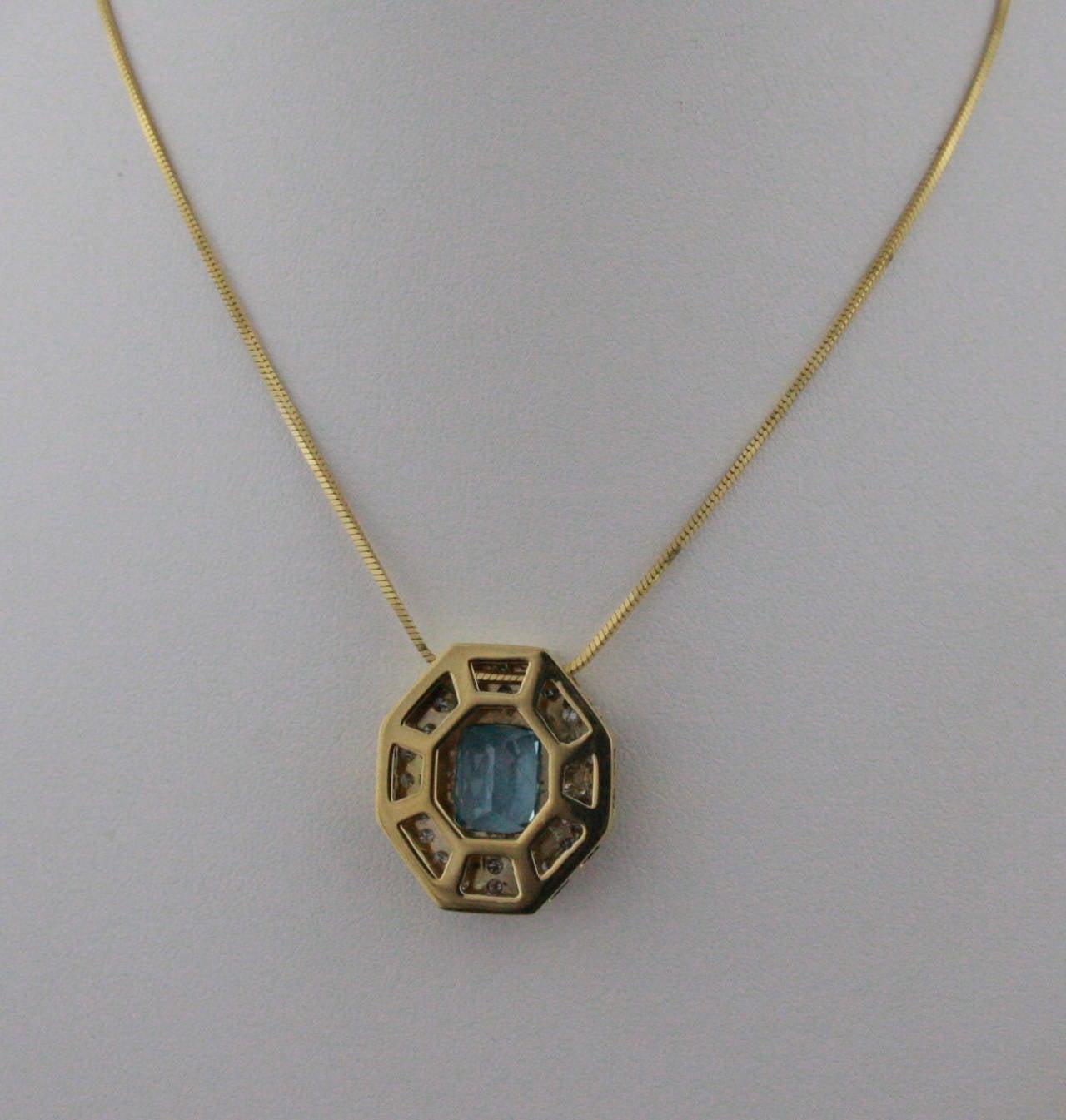 5.5 Carat Aquamarine & Diamond Gold Pendant Necklace 3