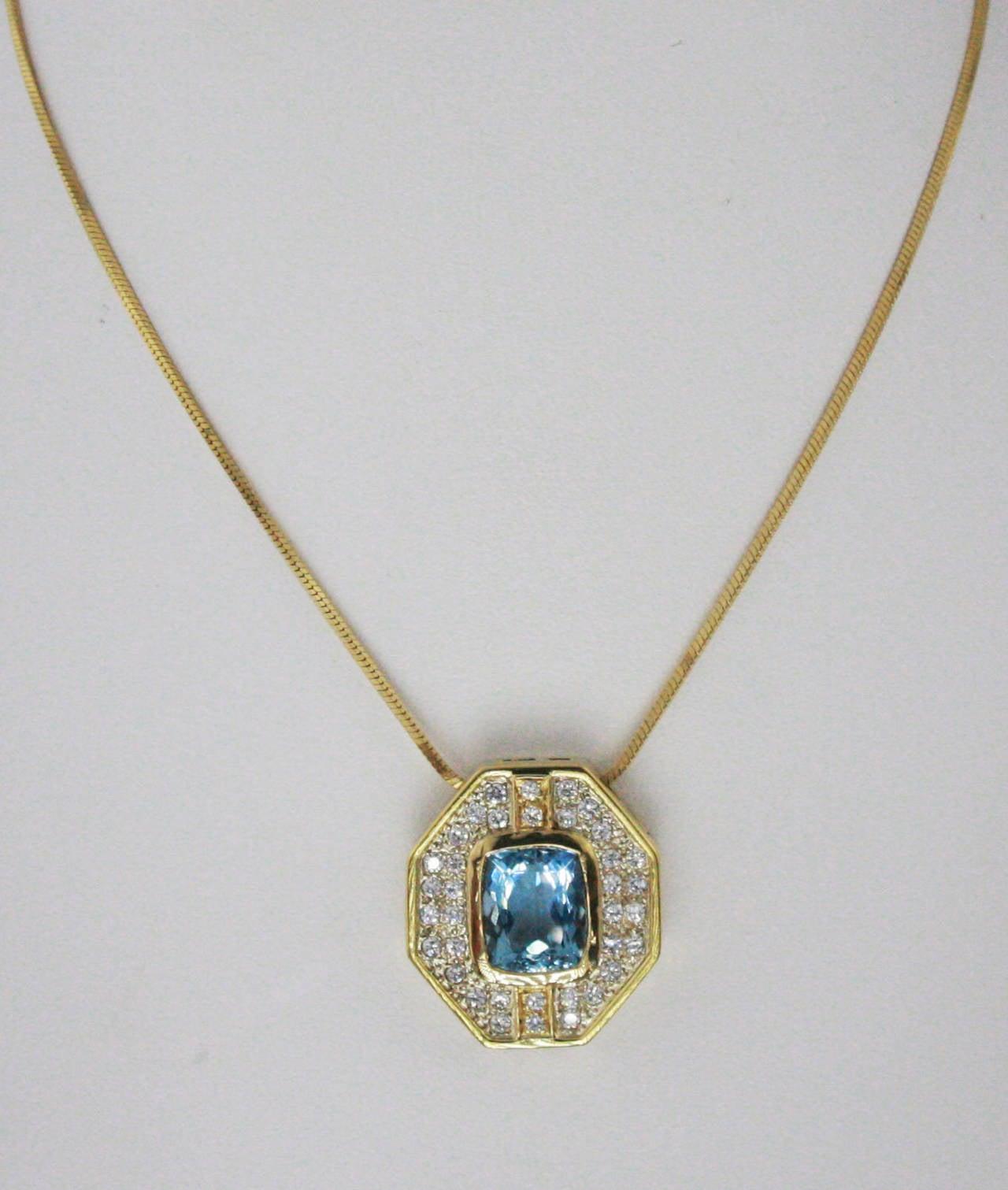 5.5 Carat Aquamarine & Diamond Gold Pendant Necklace For Sale 2