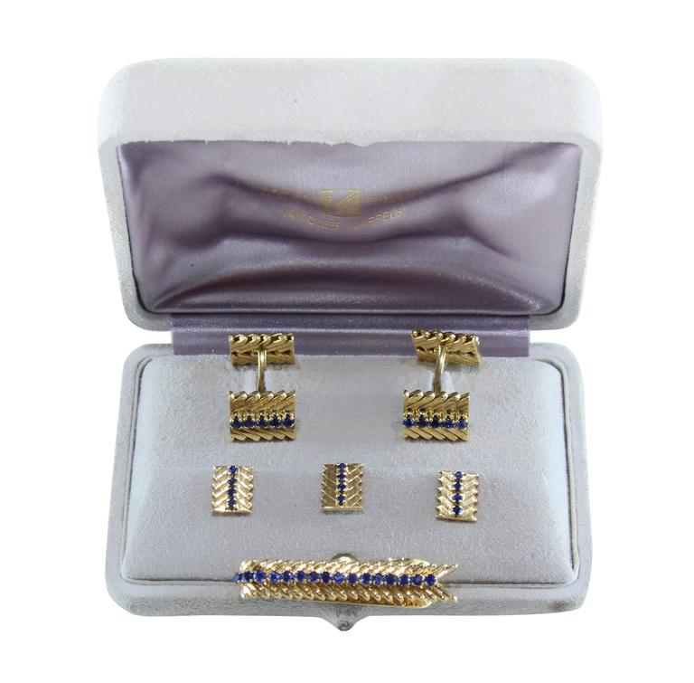 1950s Van Cleef & Arpels Sapphire Gold Dress Set  In Excellent Condition For Sale In Coral Gables, FL