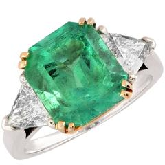 5.25 Carat Lively Colombian Emerald and Diamond Engagement Ring