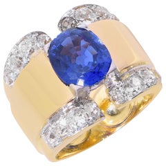 6 Carat GIA Graded Ceylon No Heat Sapphire and Diamond Retro Gold Ring