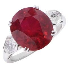 Burma Ruby and Diamond Platinum Ring 7.67 Carat Ruby and 1.5 Carat Diamonds