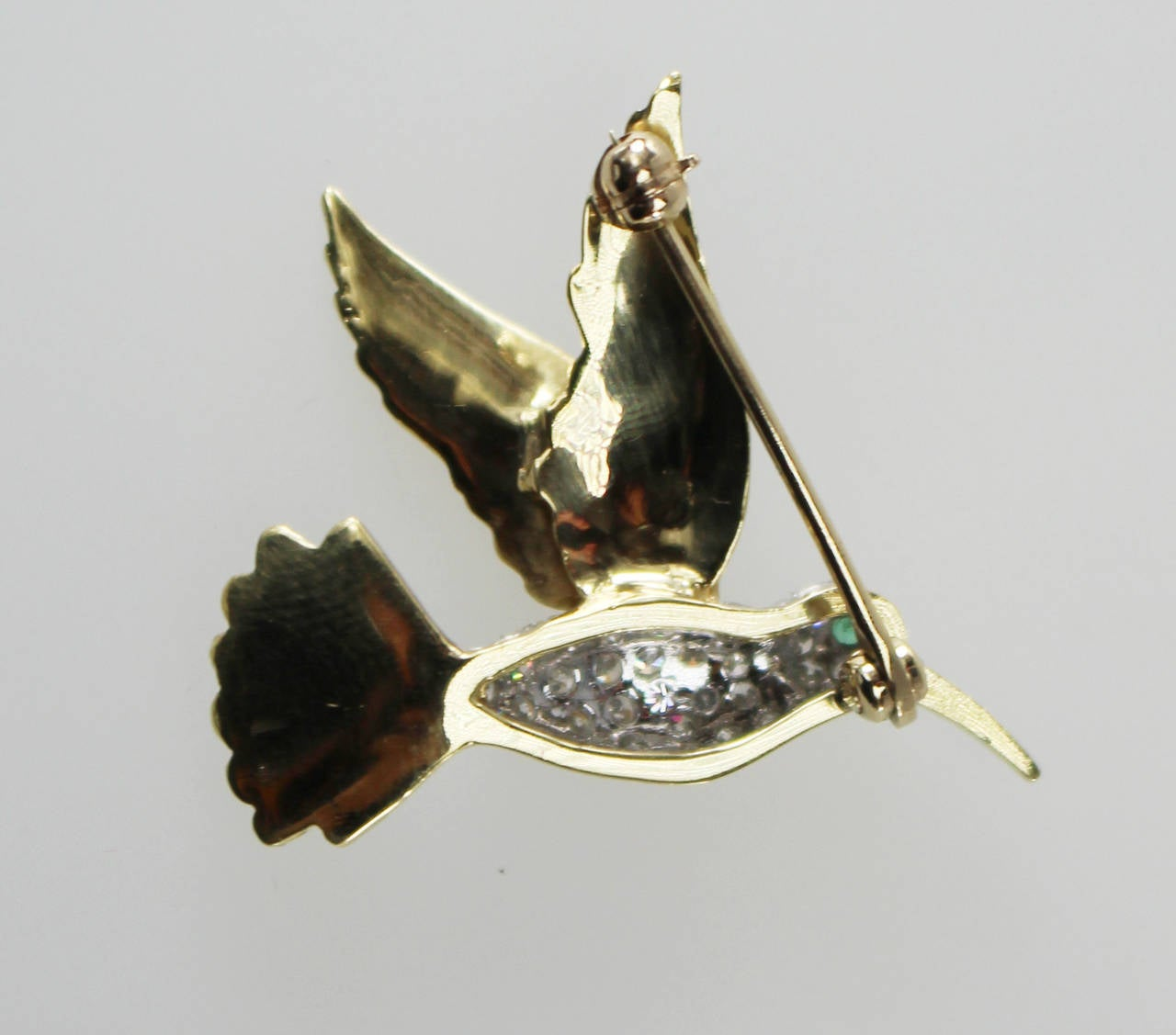1930s Emerald Diamond Gold Platinum Hummingbird Brooch 2
