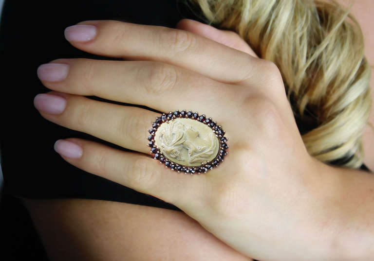 Lava Cameo and Garnet Gold Ring. 6