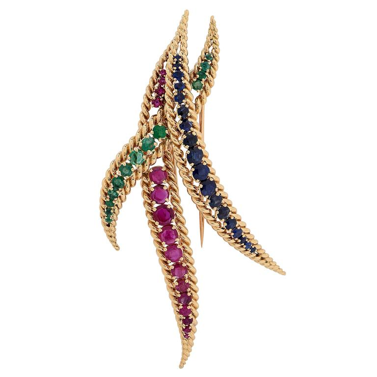 1980s Large Mauboussin Ruby Sapphire Emerald Yellow Gold Brooch In Excellent Condition For Sale In Coral Gables, FL