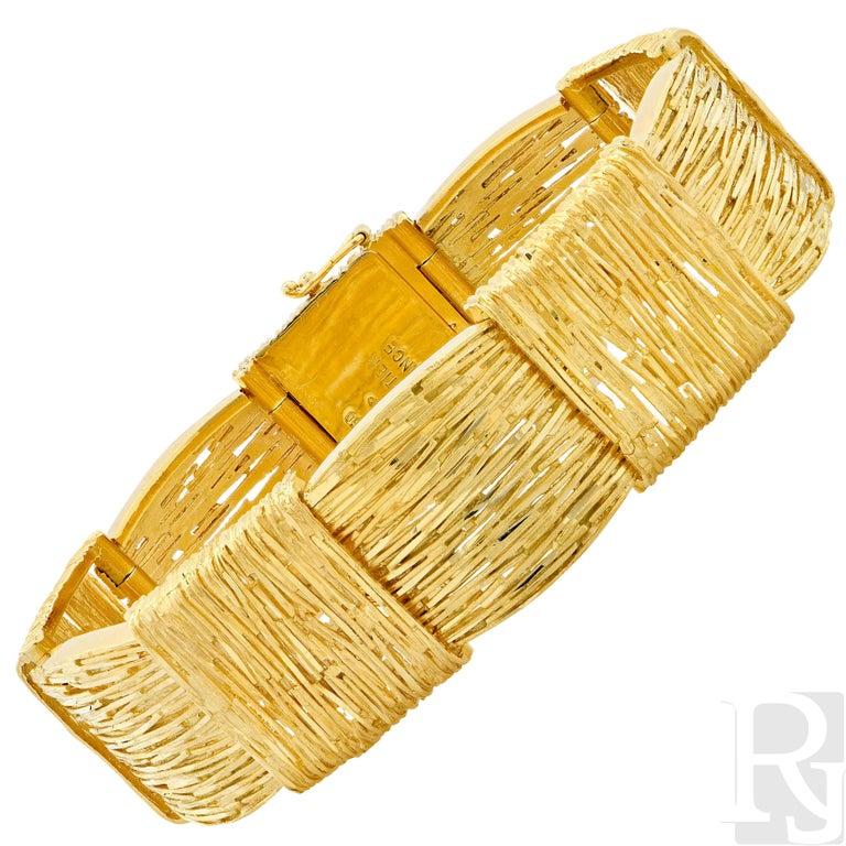 Cartier Wheat Motif 18 karat yellow gold bracelet made in France.