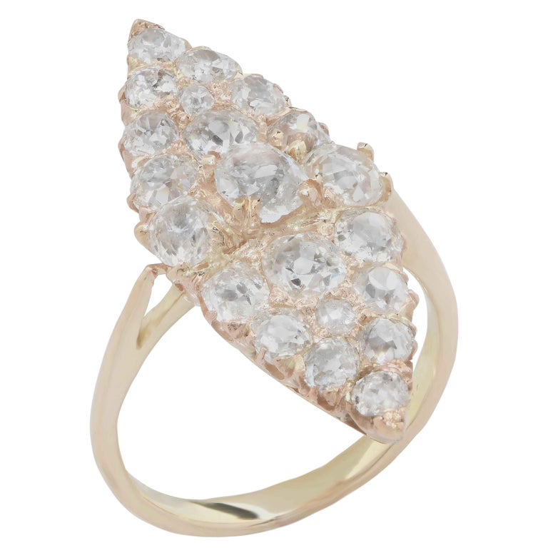 3 Carat Antique Old Mine Cut Diamond Ring in 18 Karat Yellow Gold In Excellent Condition In Coral Gables, FL