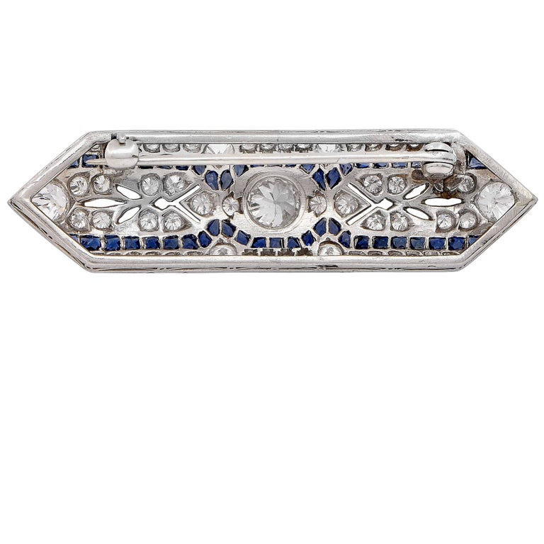 Art Deco 2.10 Carat Diamond and Sapphire Platinum Brooch In Excellent Condition For Sale In Coral Gables, FL