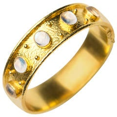 Elizabeth Locke Moonstone Gold Bangle Bracelet