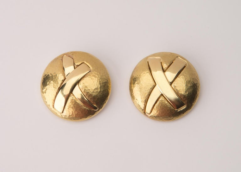 Tiffany & Co. Paloma Picasso Gold Disc X Earrings In Excellent Condition For Sale In Atlanta, GA