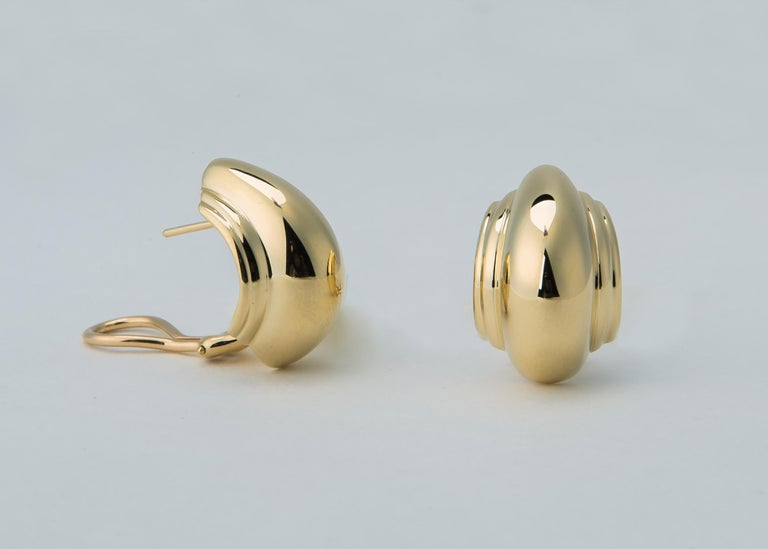 Contemporary Tiffany & Co. Paloma Picasso Domed Gold Earrings For Sale