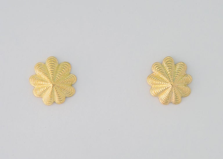 Jean Schlumberger for Tiffany & Co. Limpet Earrings In Excellent Condition For Sale In Atlanta, GA