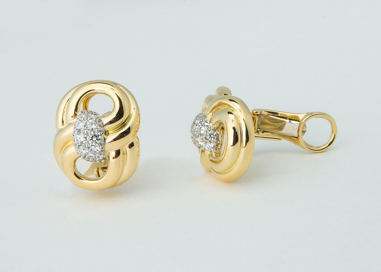 Classic Verdura Gold and Diamond Earrings In Excellent Condition For Sale In Atlanta, GA