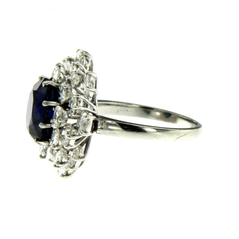 3.40 Carat Sapphire Diamond Platinum Ring In Excellent Condition For Sale In Napoli, Italy