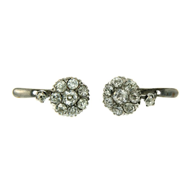 Old Cut Diamond Gold Cluster Drop Earrings In Excellent Condition For Sale In Napoli, Italy
