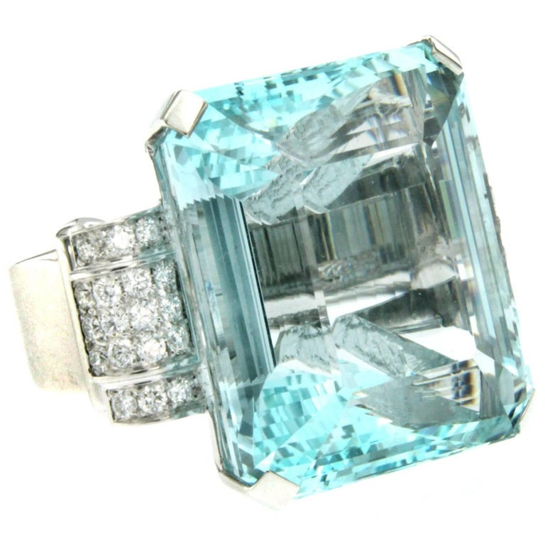 Vintage 79 Carat Certified Aquamarine Diamond Gold Ring