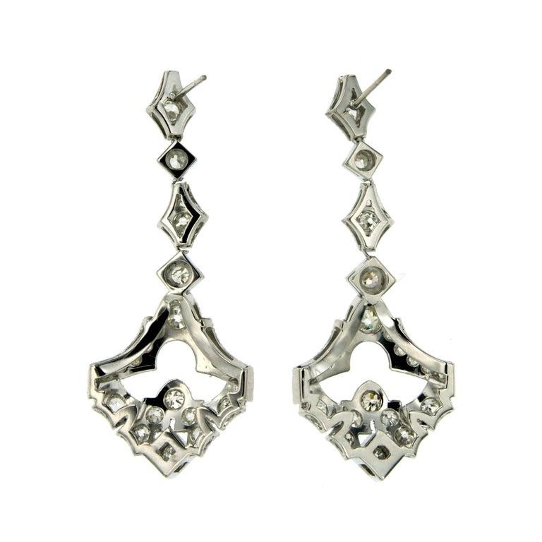 Women's 1930s Art Deco 5.50 Carat Diamond Gold Drop Earrings For Sale