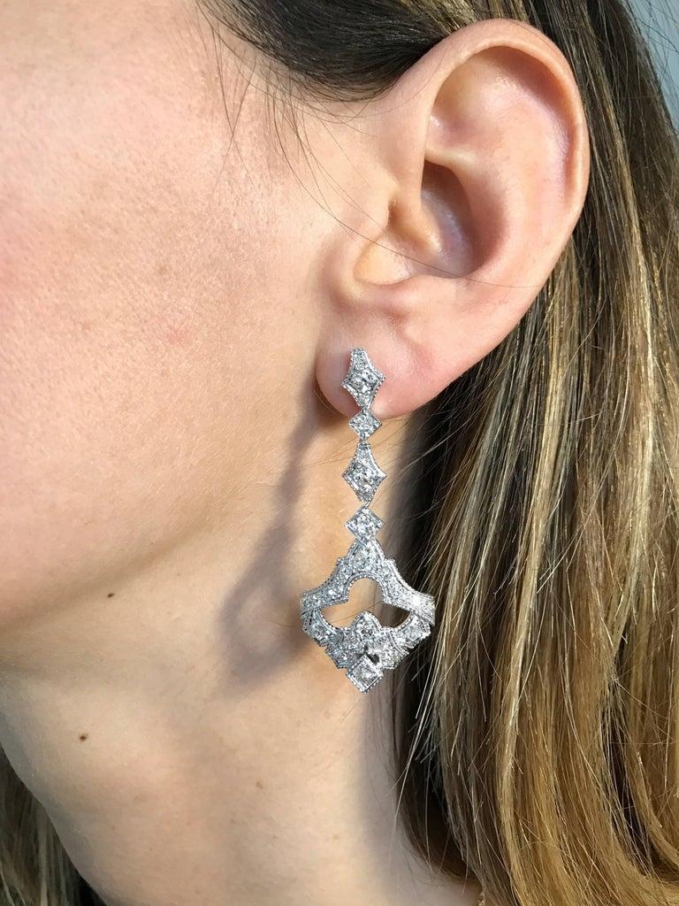 1930s Art Deco 5.50 Carat Diamond Gold Drop Earrings For Sale 1