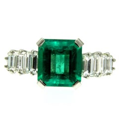 Art Deco Certified 3.25 Carat Colombian Emerald Diamond Platinum Ring