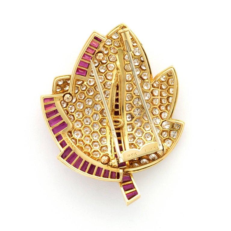Modern Van Cleef & Arpels Diamond Ruby Gold Leaf Brooch For Sale