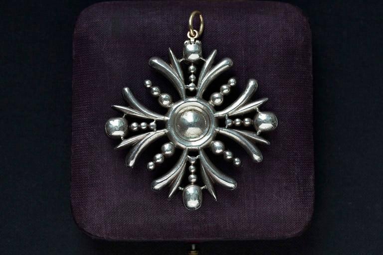 Early Victorian Sapphire Diamond Pendant 3