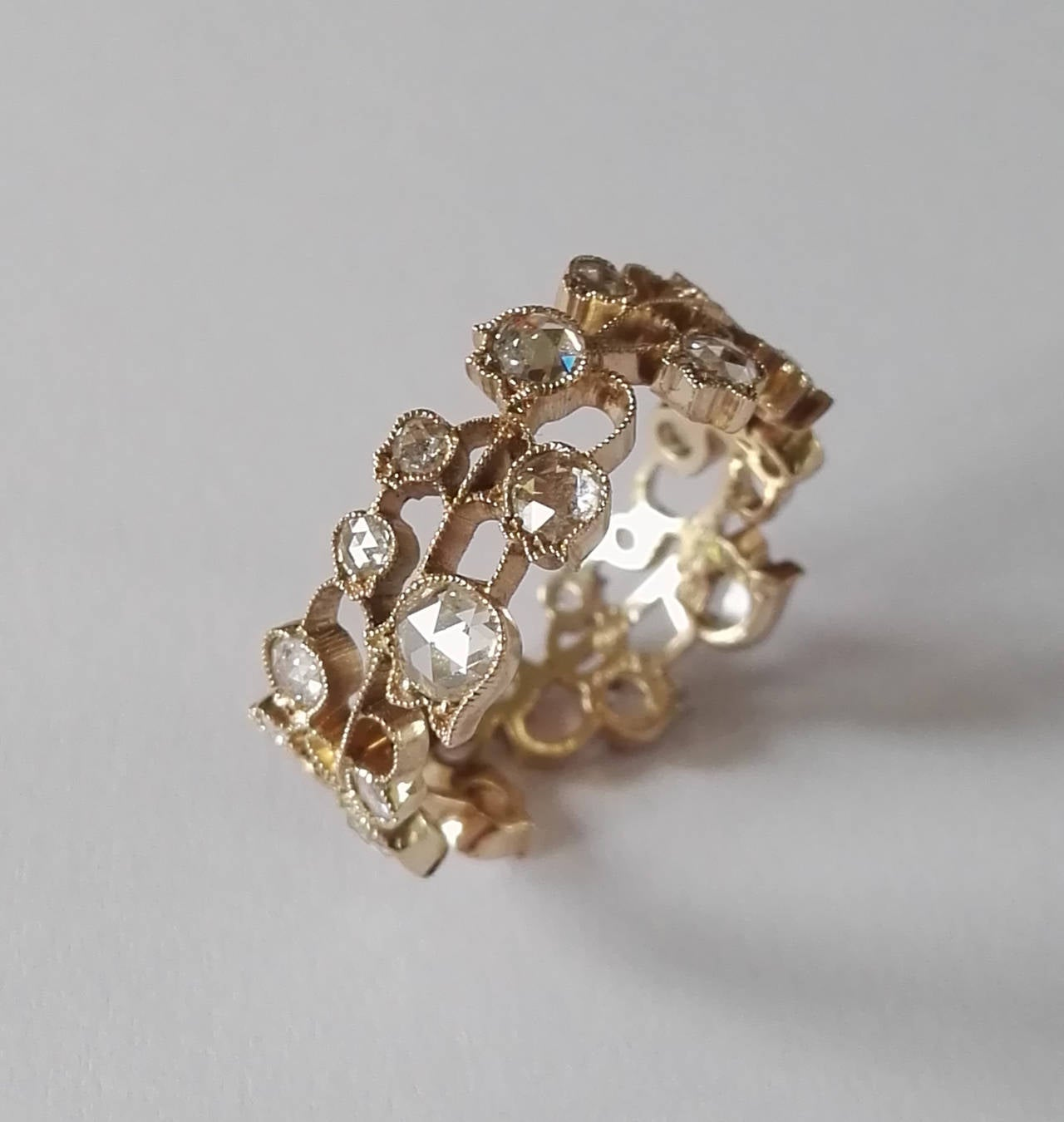 Dalben Lily of the Valley Diamond Gold Band Ring In New Condition For Sale In Como, IT