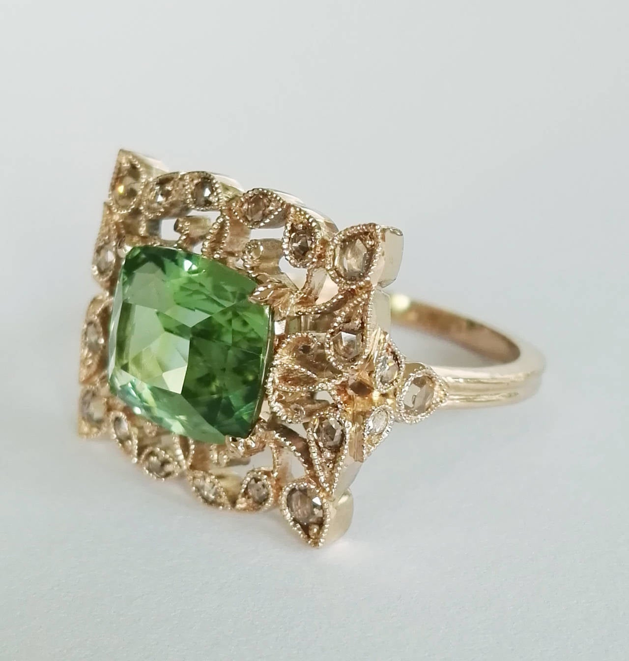 Contemporary Dalben Green Tourmaline Rose Cut Diamond Gold Fashion Ring For Sale