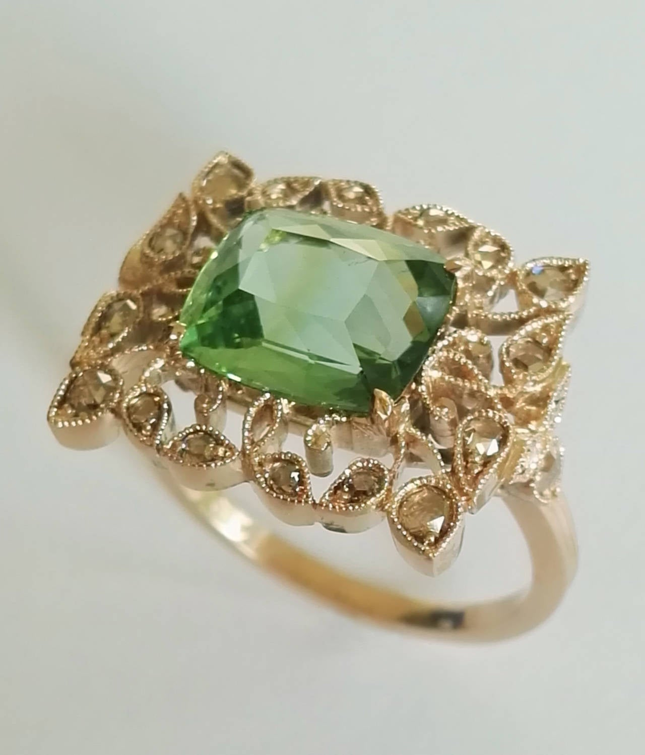 Women's Dalben Green Tourmaline Rose Cut Diamond Gold Fashion Ring For Sale