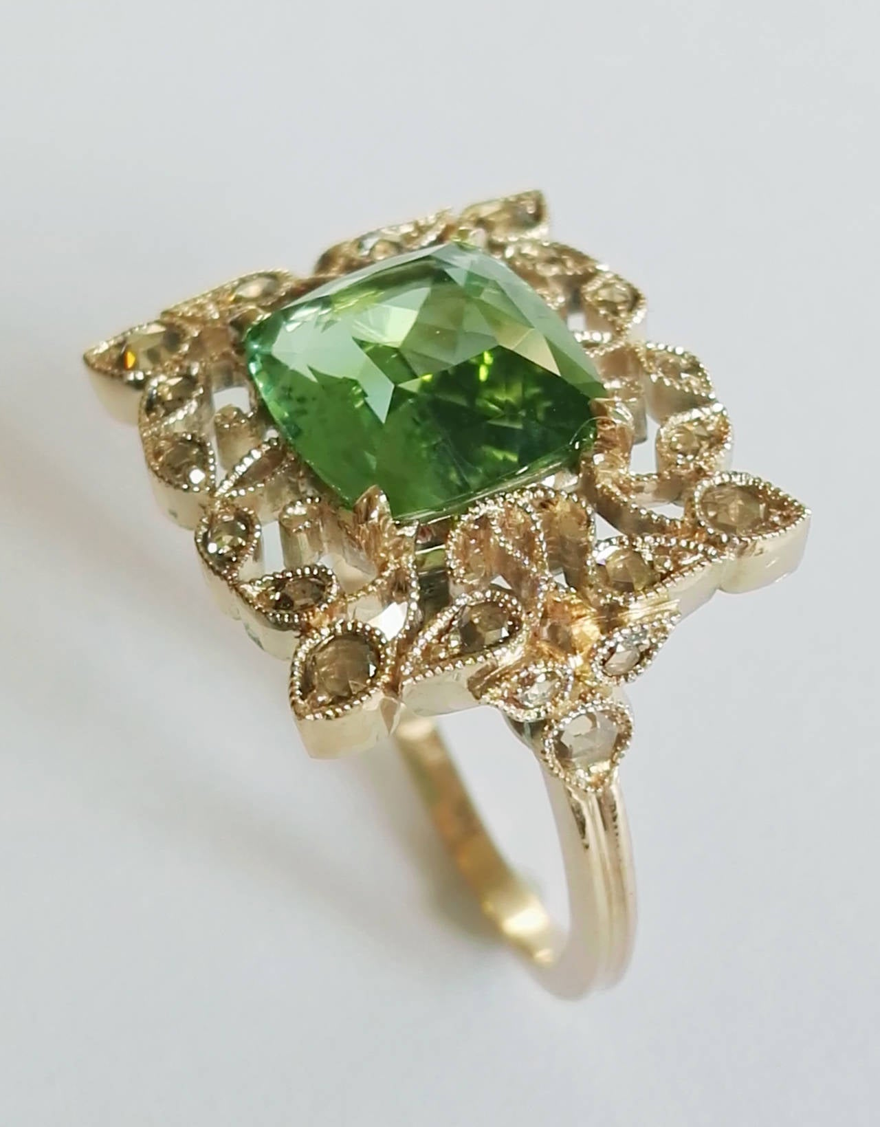 Dalben Green Tourmaline Rose Cut Diamond Gold Fashion Ring For Sale 1