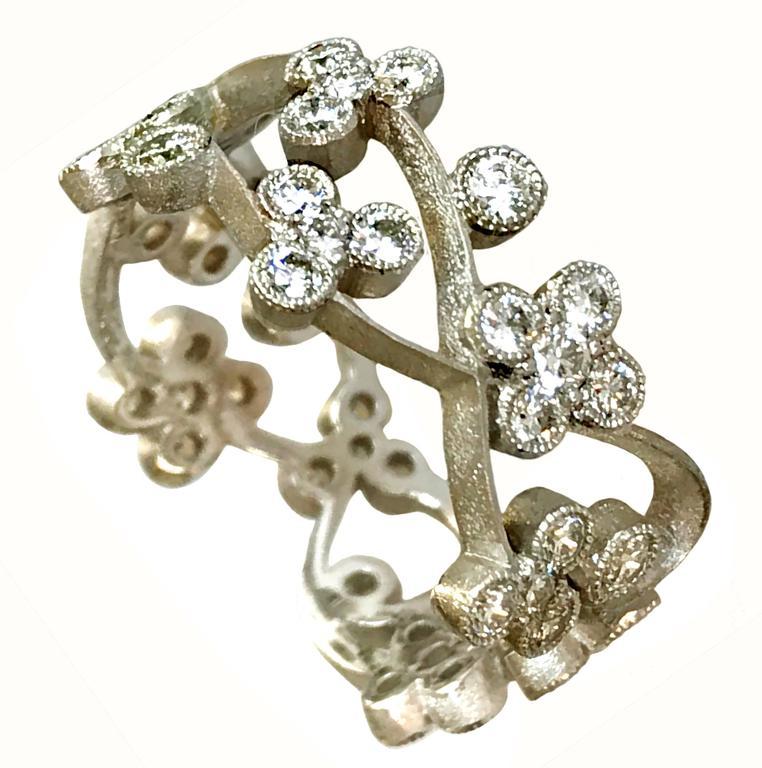 Dalben Floral Diamond Gold Band Ring