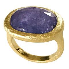 Dalben Tanzanite Scratch Engraved Gold Ring