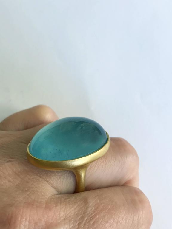 Dalben Magnificent Cabochon Aquamarine Yellow Gold Ring For Sale 2