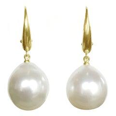 Dalben Design South Sea Pearl Yellow Gold Dangle Earring