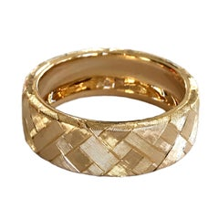 Dalben Unisex Engraved Gold Ring