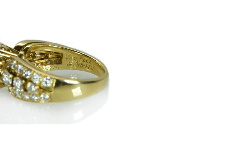 Van Cleef & Arpels Diamond 'Fleurette' Ring In Excellent Condition For Sale In New York, NY